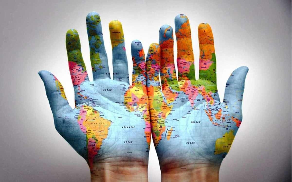 Le monde à portée de mains